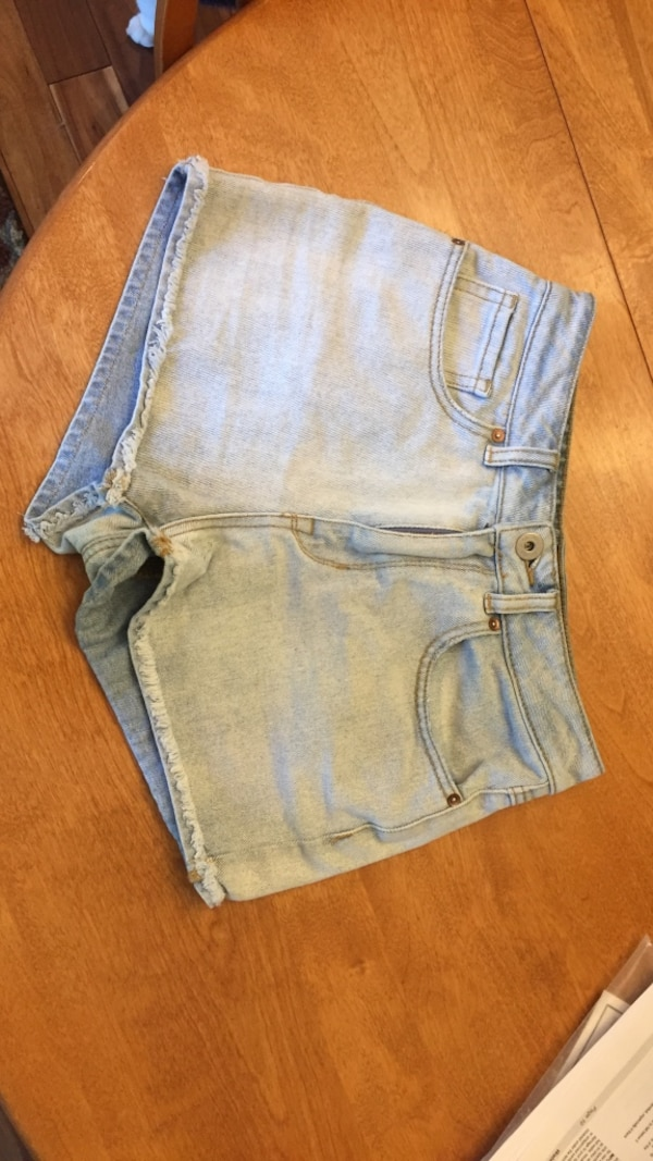 Bullhead Women's blue denim short shorts size 5