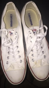 Pair of white Converse low top sneakers Conway, 72034