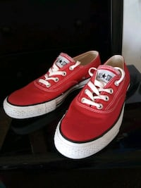 Converse Chuck Taylor Sneakers (Red - Size Men's 7 / Women's 9)