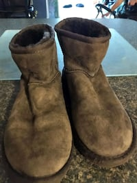 Ladies size 5 brown ugg boots Fort Myers, 33901