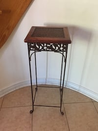 """Vintage wooden side table 31"""" tall Markham, L3R"""