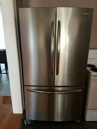 Fridgidaire gallery stainless steel french door  Pickering, L1W 3M4