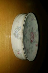 Pretty flowered soap dish