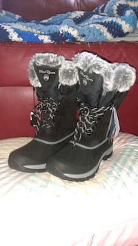 Wind River Heated Boots (Womans)