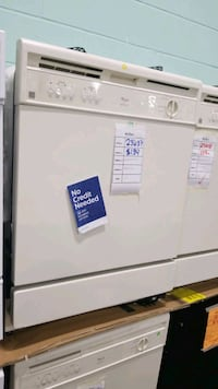 Whirlpool dishwasher 24inches