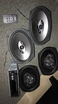 2 JVC , 2 DUAL 6x9 Car speakers with Pioneer radio and remote.