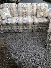 Couch and loveseat  Taneytown, 21787