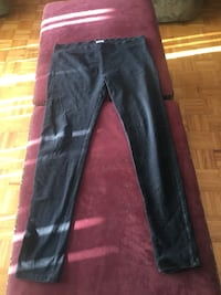 black sweatpants 2472 km