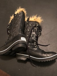 Sorel Winter Boots - Size 7 Burnaby, V5C