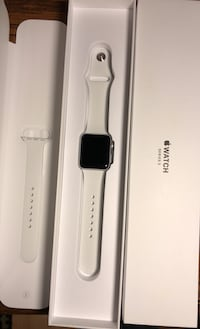 Apple Watch Series 3 like new w/ box, paperwork & charger, Fact reset  Howell, 07731