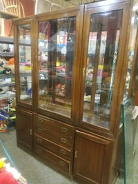 LARGE ETHAN ALLEN CHINA CABINET  Forest Hill, 21050