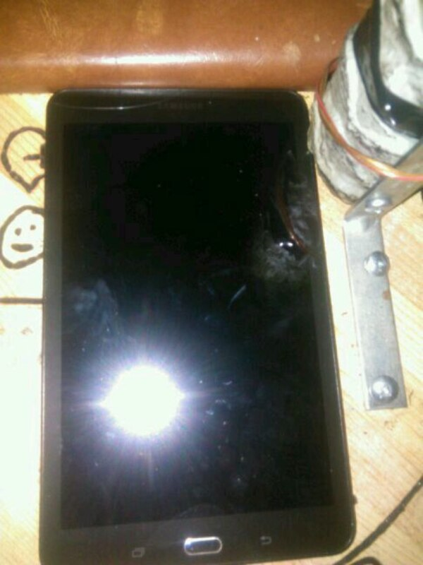 Tablet small crack