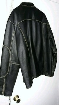 Mens leather  jacket.  Lowell, 01854