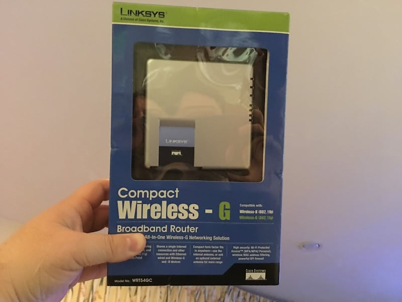 Linksys compact wireless router 2272454d-dac4-469f-a72f-ef4cd5847d45