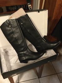 Black leather knee-high boots Bedford, 01730