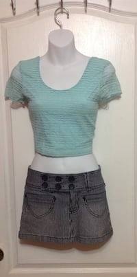 BLUENOTES Lace Crop Top: Size Small Toronto, M6G