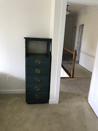 Boy's marine blue 5-drawer dresser. extra sturdy, good for many boys/years to come. priced due to solid, end-of-era construction. Glenelg, 21737