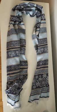 gray and black floral print scarf