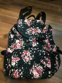 Floral black and pink back pack Glendale Heights, 60139