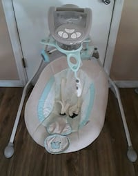 baby's white and gray cradle n swing Holiday, 34691