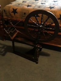 Antique Spinning Wheel  Seymour, 06483