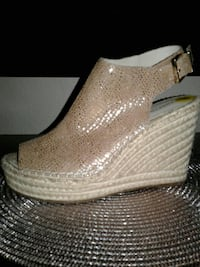 pair of gray glittered wedge shoes Tacoma, 98409