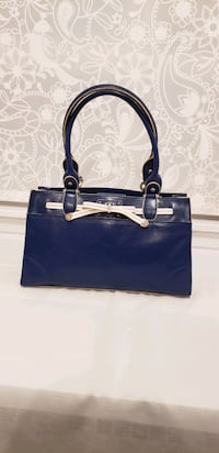 women's navy blue  leather tote bag Toronto, M1R 2H2
