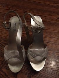 Michael Kors wedges size 7, silver Toronto, M6G