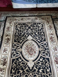 Rug with black and brown colors