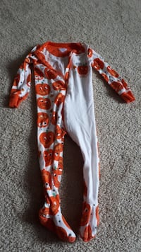 Children's Place 12-18 month sleepers Mommy & Daddy's Little Pumpkin Surrey, V3S 3J4
