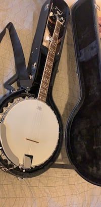 Banjo with case New York, 11205