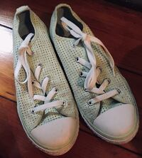 Converse size 5.5 and 6 281 mi