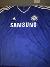 Chelsea jersey singed by whole team sz large Newmarket, L3X 3G6