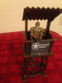 brown Solider Force watchtower miniature and soldier action figure