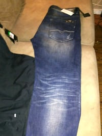 blue-washed denim pants Regina, S4T 3B4