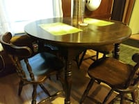 Wooden kitchen table w/4 chairs ... Pawtucket, 02861
