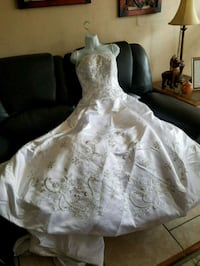 white floral lace wedding gown Tampa, 33612