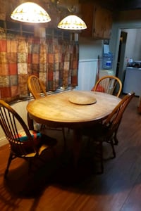 round brown wooden table with four chairs dining set Modesto, 95358