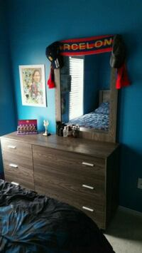 Boys queen size bed set  553 km