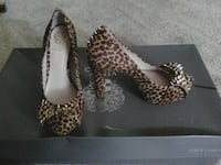 pair of women's brown-and-black leopard skin print stilettos Gilroy, 95020