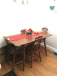 Dining/ kitchen table with chairs