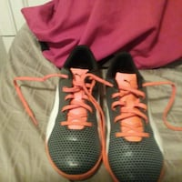 Orange and grey cleats for indoor soccer size uk 5 cdn6 Calgary, T2Y
