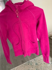Lululemon top Mississauga, L5A 3L4