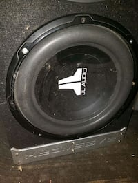 """Car Stereo box with 2 high end 10"""" speakers, very very loud. $300 Oakville, L6H 0H1"""