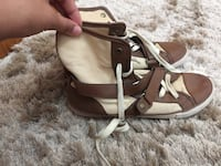 pair of white-and-brown leather sandals Surrey, V4N 0V1