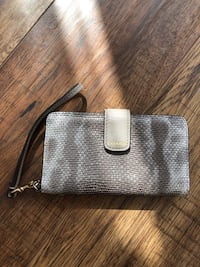 Coach leather clutch for iphone 6/7/8 Toronto, M4W 1L1