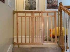 Baby / Pet Gate (good for stair area)