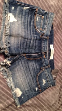 Jean shorts new with tags siE 28 Cranston, 02921