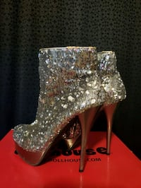 Silver Sequence Boots - Size 7 Los Angeles, 91601
