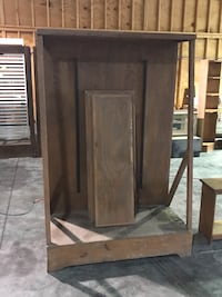 Wood display cabinet with three shelves Sevierville, 37862